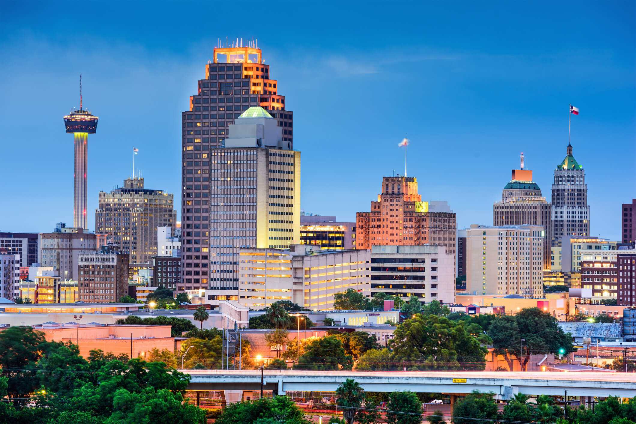 Photo of the downtown area in San Antonio which is also one of our locations for titleloansonline.com