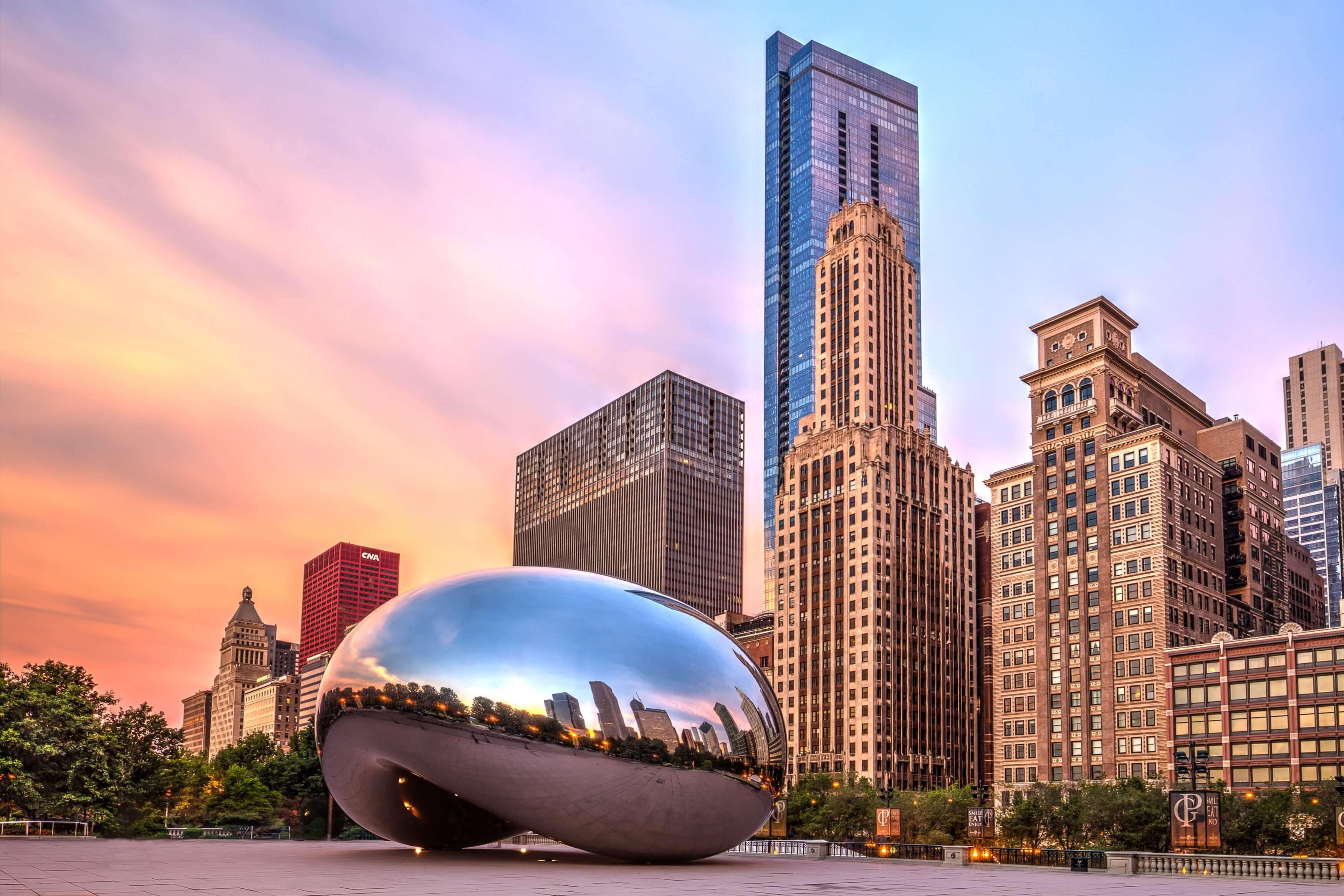 this is a photo of of the reflective bean that is in downtown Chicago